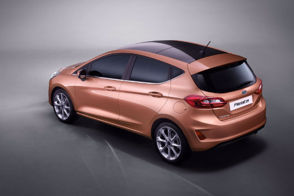 Ford Fiesta van boven