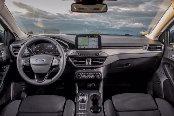 Ford Focus achter het stuurwiel