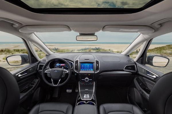 Ford Galaxy van binnen