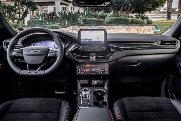 Nieuwe Ford Kuga van binnen