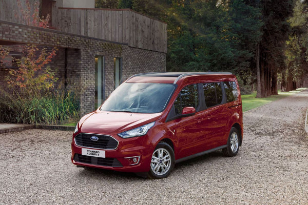 Ford Tourneo Connect rood
