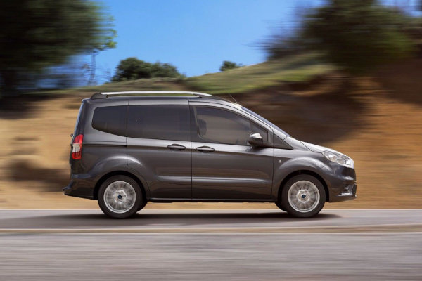 Ford Tourneo Courier proefrit