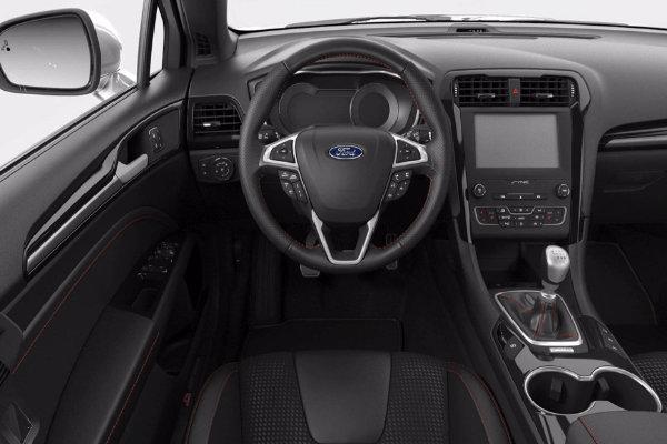 Ford Mondeo achter het stuur