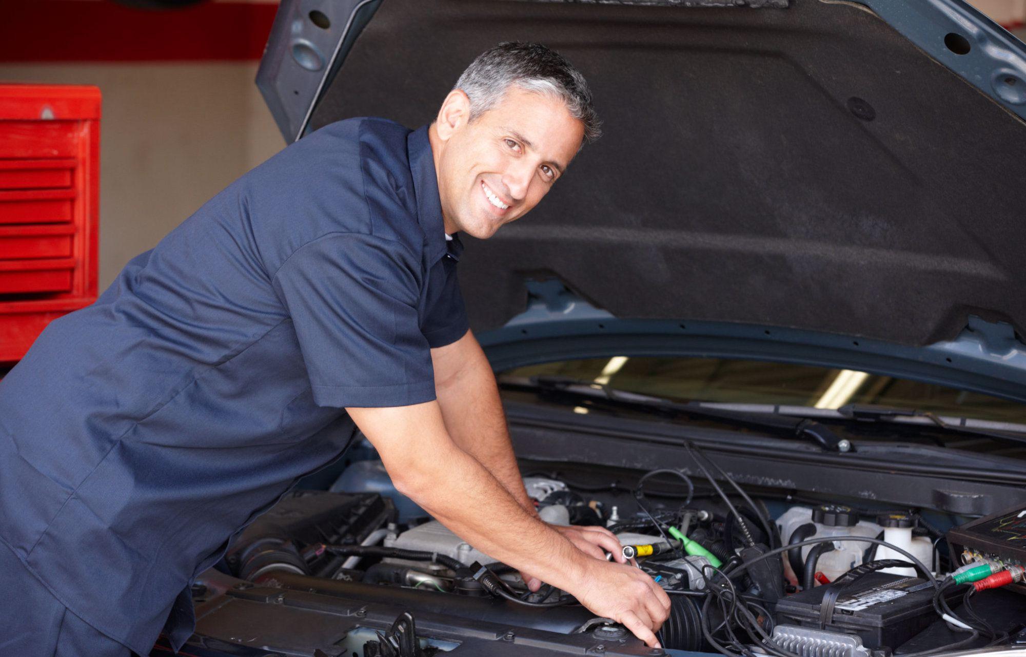 vacature vrachtwagen mechanieker bij Garage Claeskens
