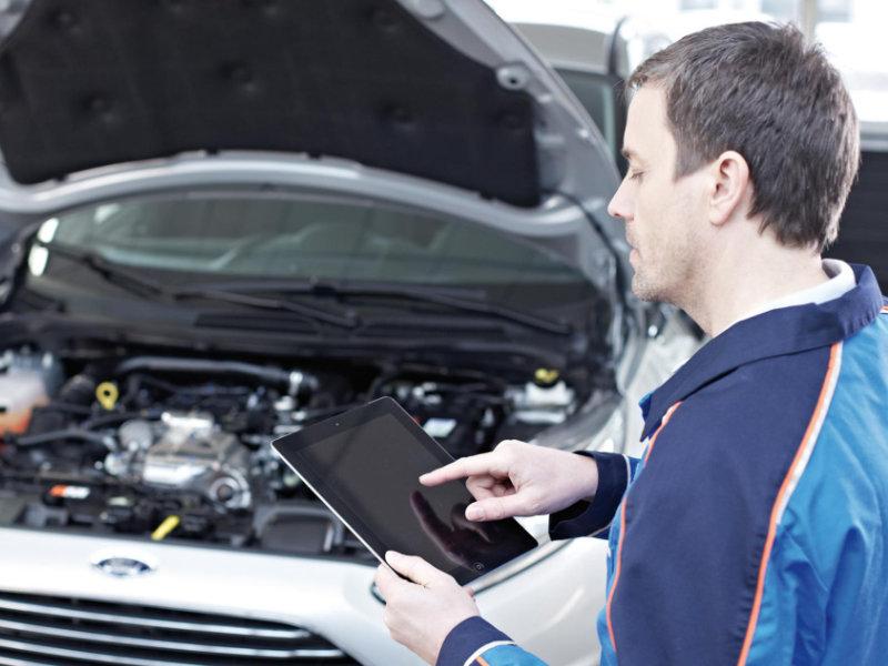 Ford medewerker onderhoud diagnostics
