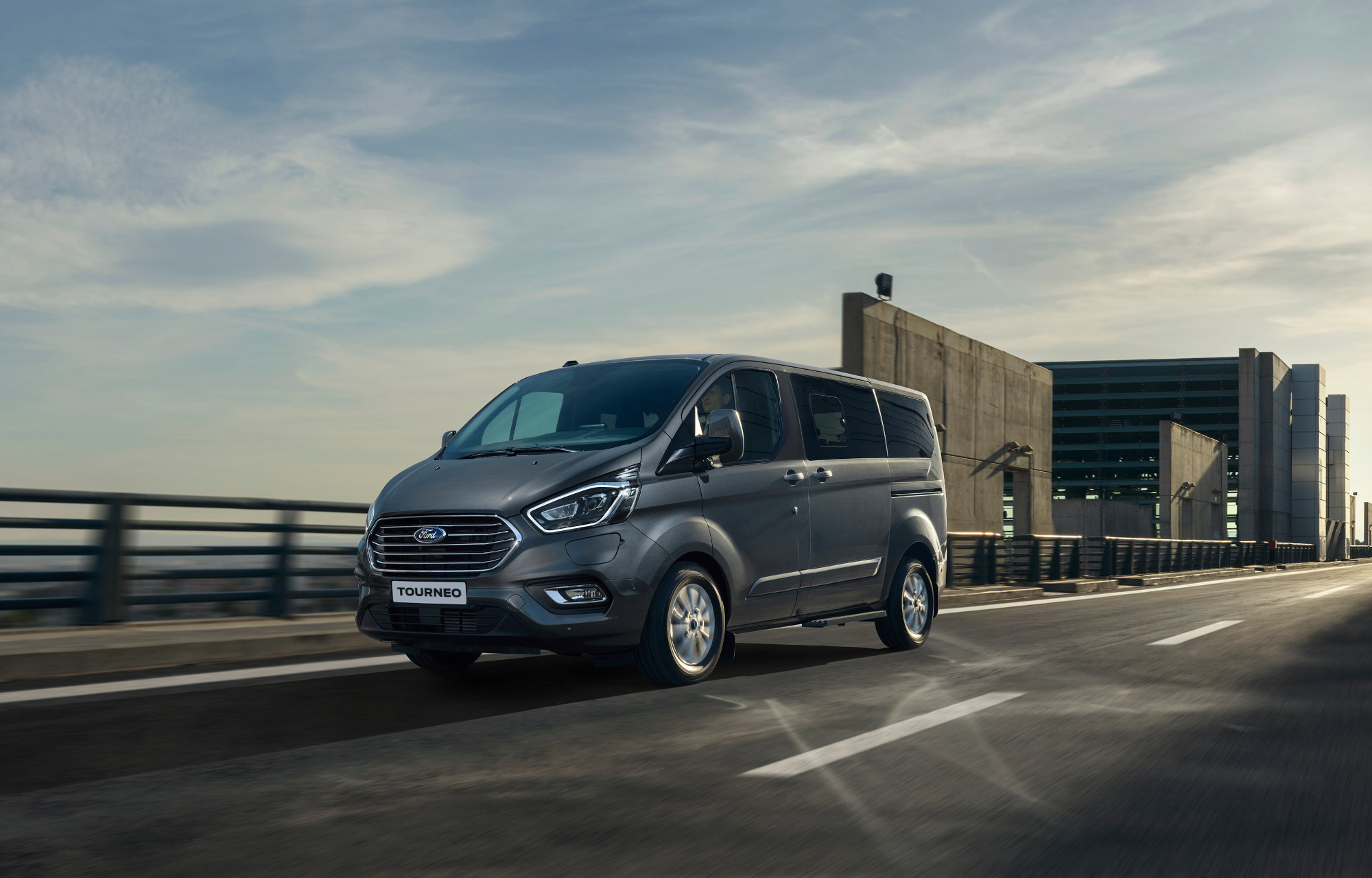 Ford Tourneo Custom hybrid