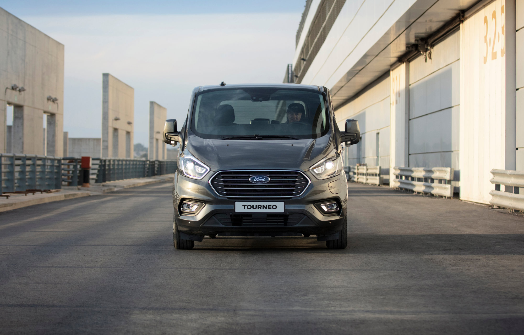 Nouveau Ford Tourneo Custom Plug-In Hybrid