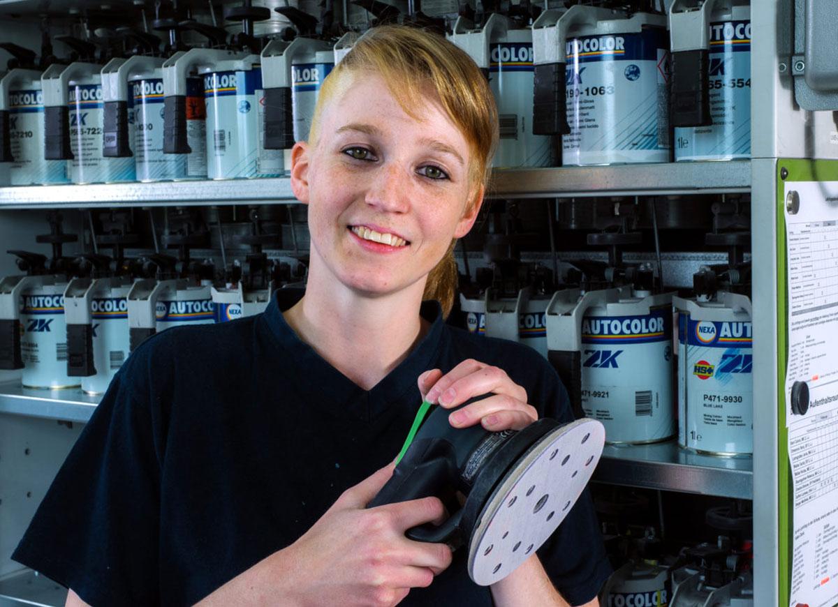 Rebecca Baumgartner, Lehrling Carrosserie-Lackiererin