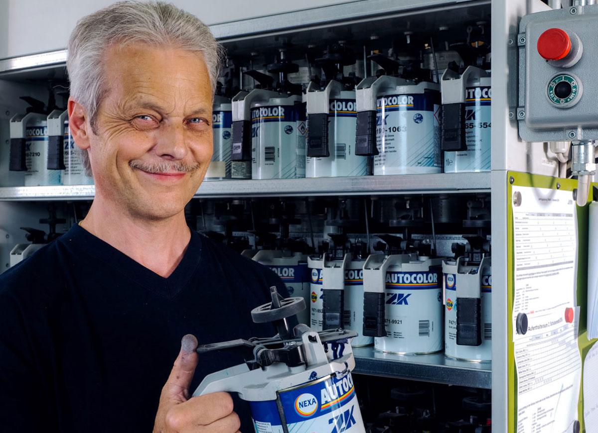 Harry Hunziker, Werkstattchef Malerei