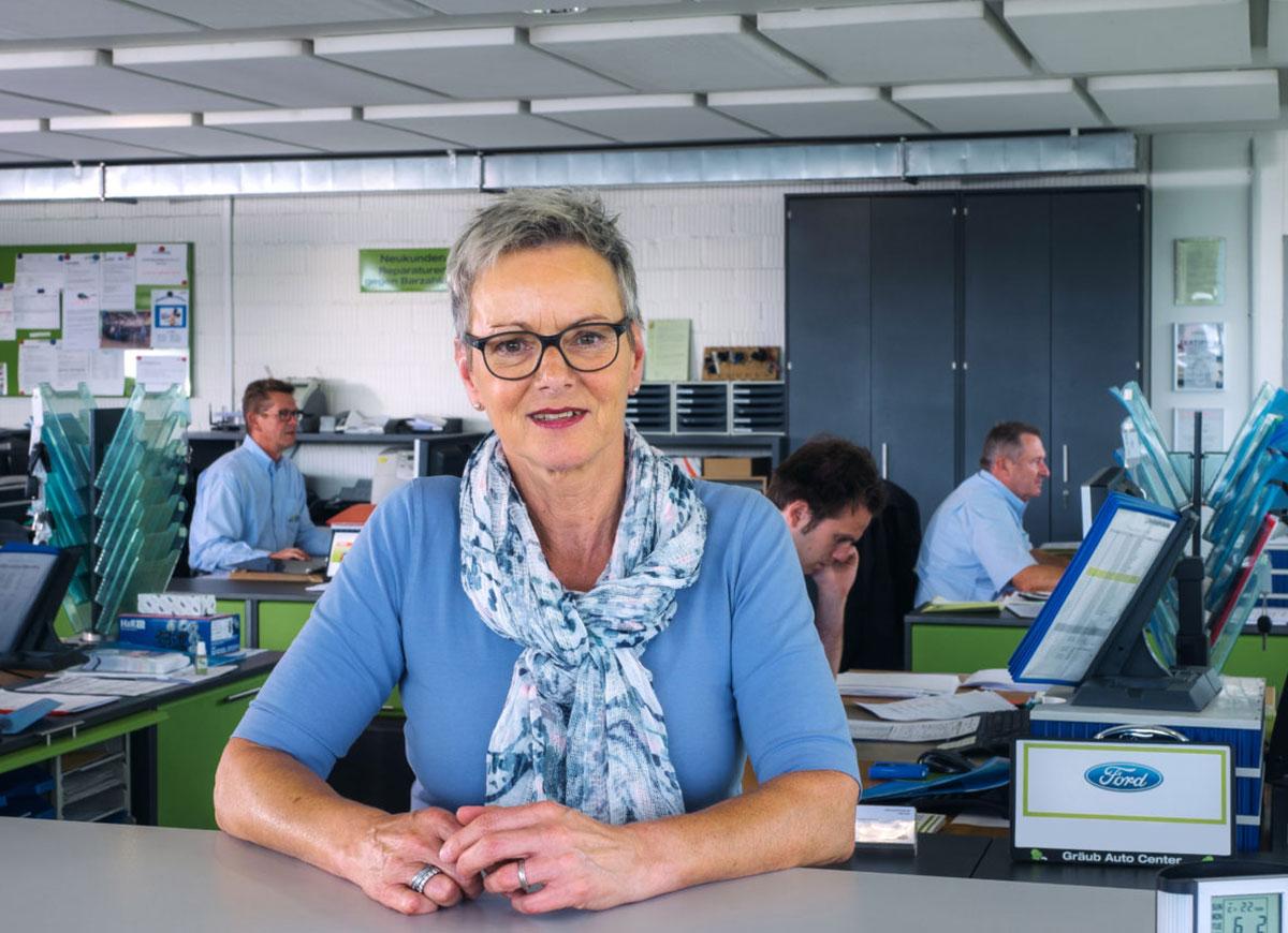 Heidi Meyer, Verkaufsassistentin