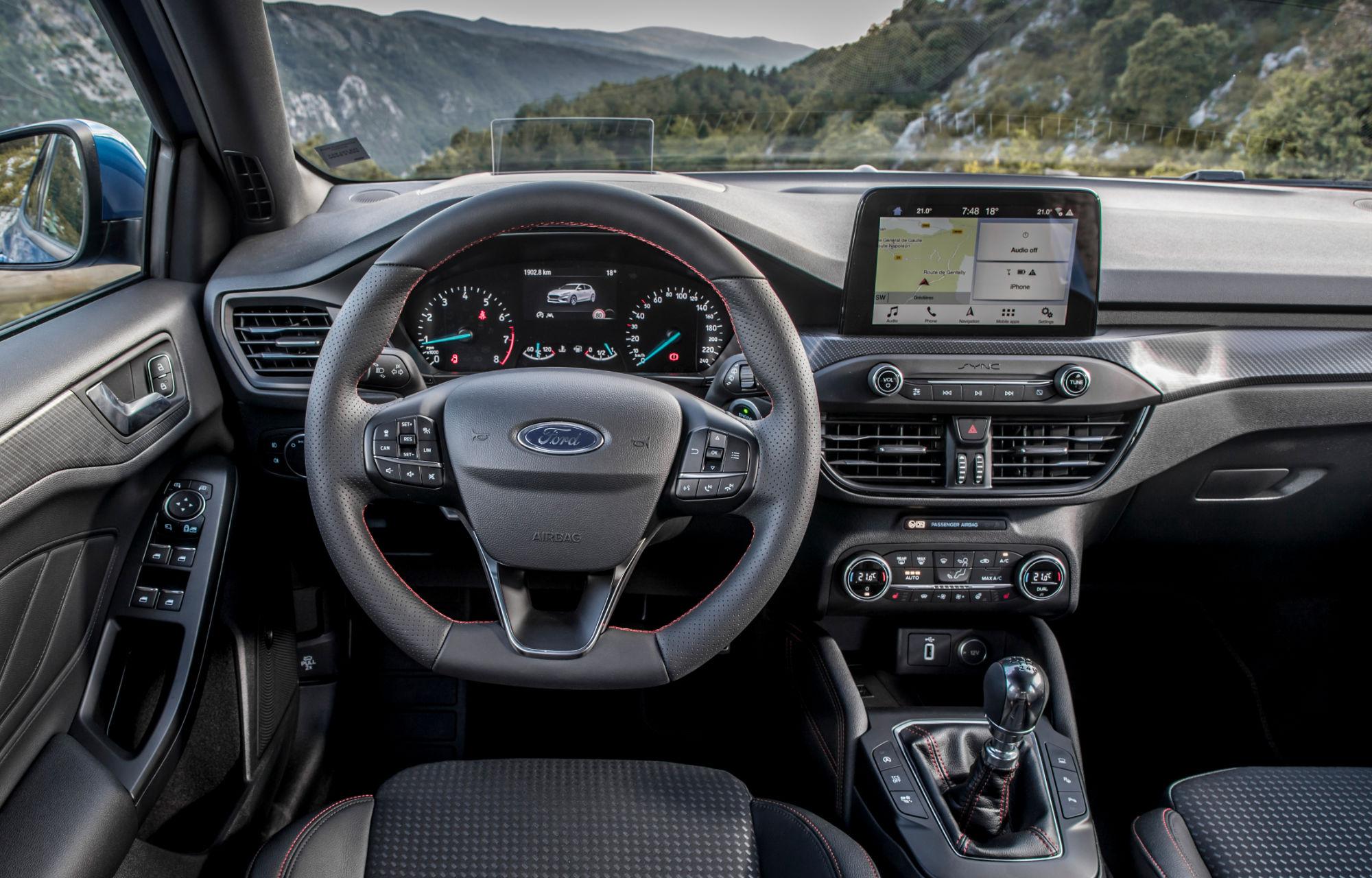 Ford Focus ST-Line Interieur Garage Baumann Ostschweiz
