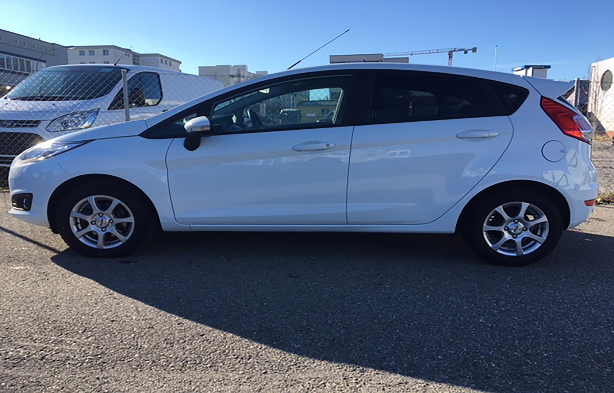 Ford Fiesta manuelle 1.0SCTi - 5 portes / 5 places