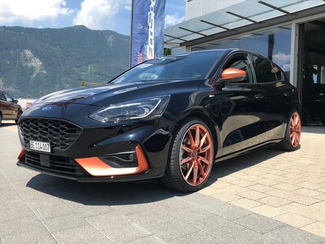 Ford Focus 1.0i EcoB 125 ST-Line Gebrauchtwagen bei Ihrer Elite Autocenter AG