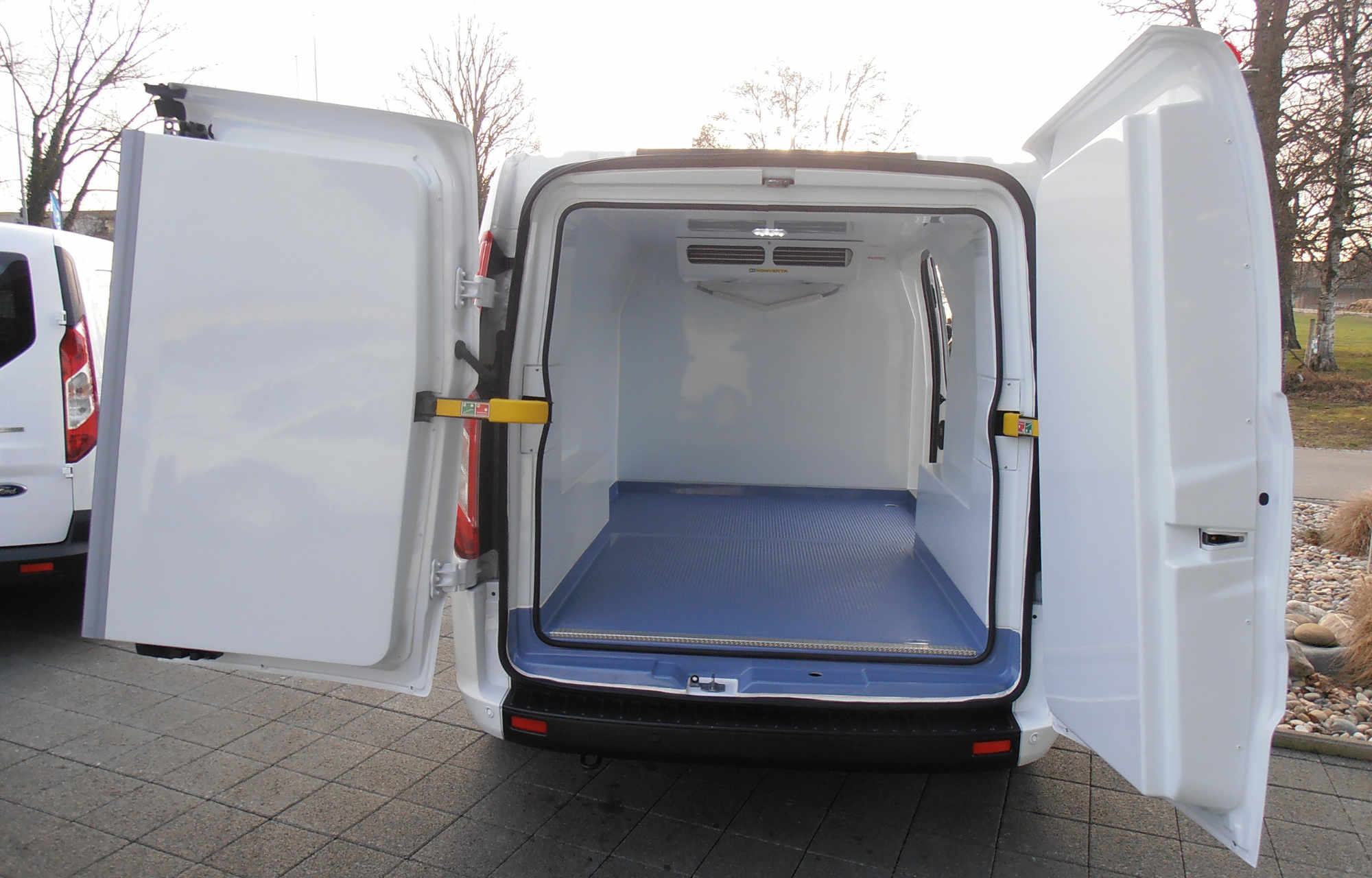 Umbau Ford Nutzfahrzeug Auto Center Worben