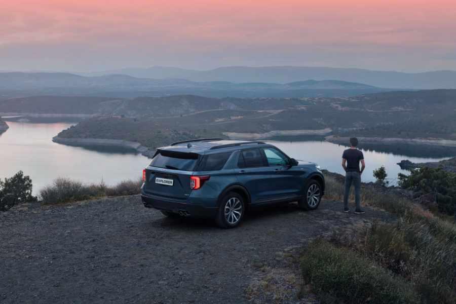 Ford Explorer im Gelände