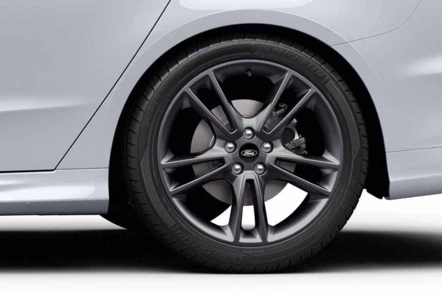 Ford Mondeo Reifen und Felgen