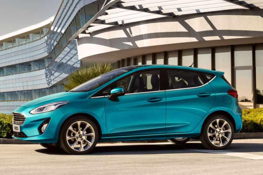 Ford Fiesta Blau Metallic Seitenansicht