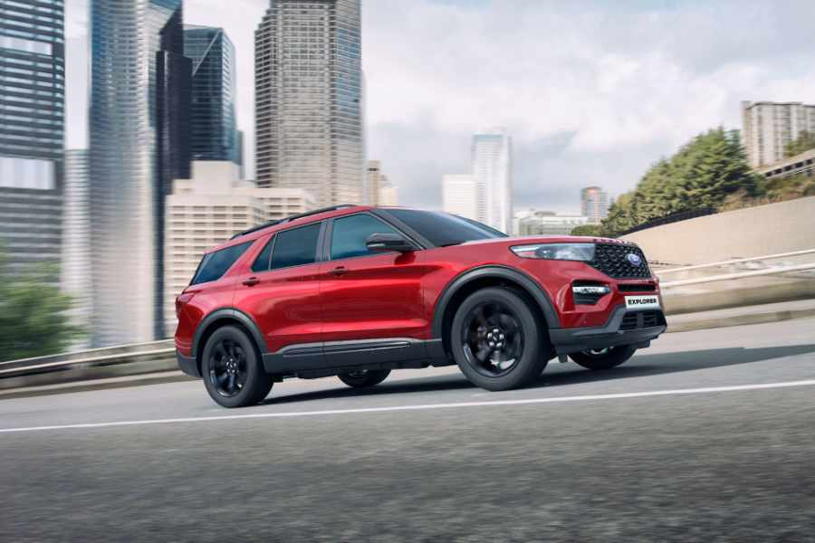 Roter Ford Explorer