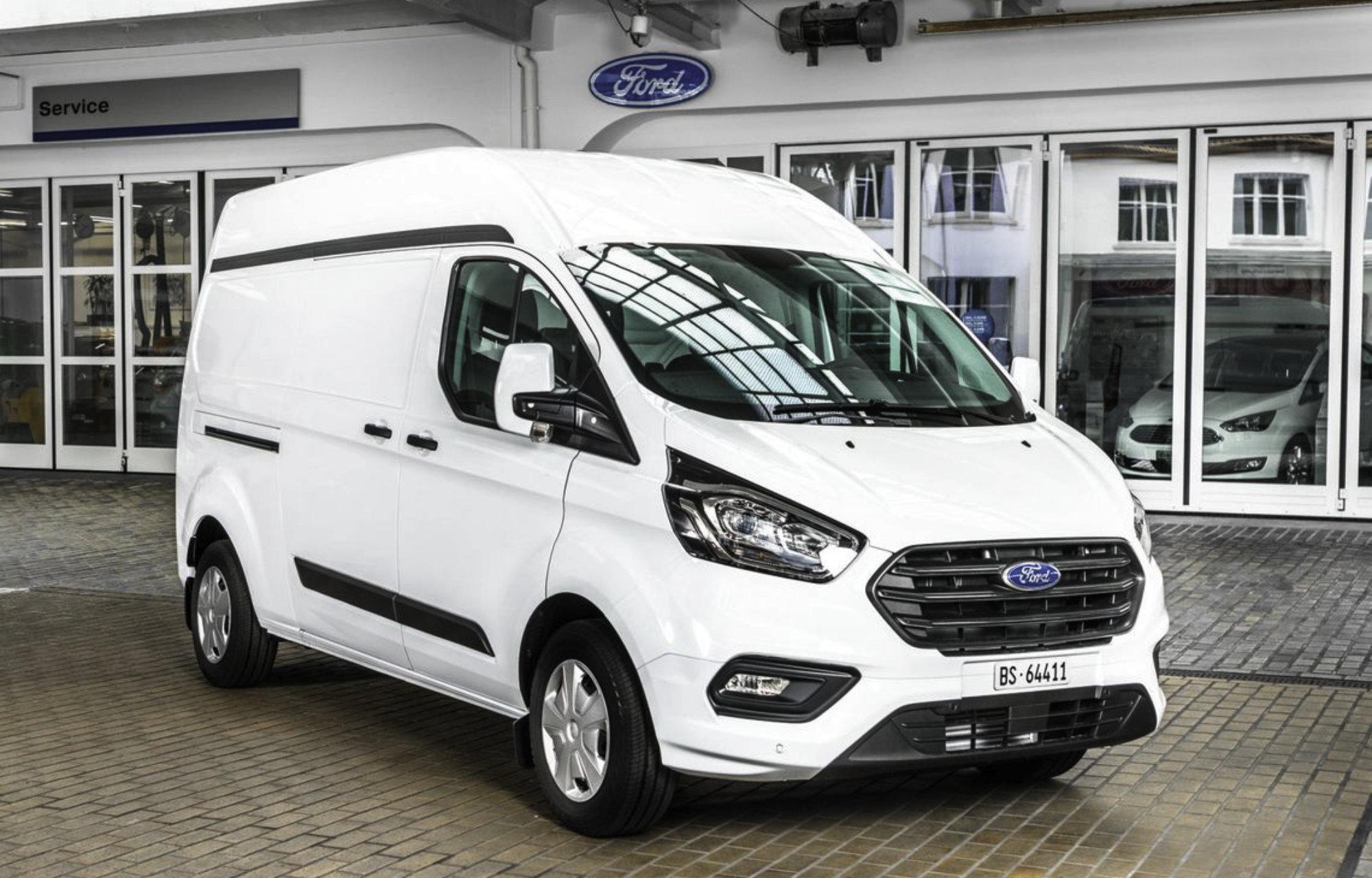 Ford Transit Custom hoch