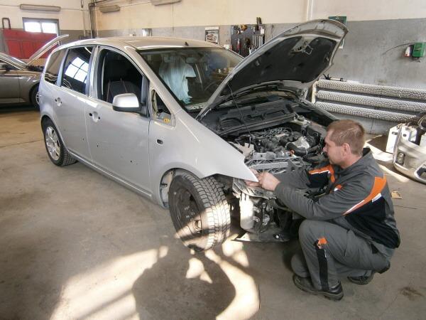 Autorizovaná karosárna Auto Viki Ford Zlín