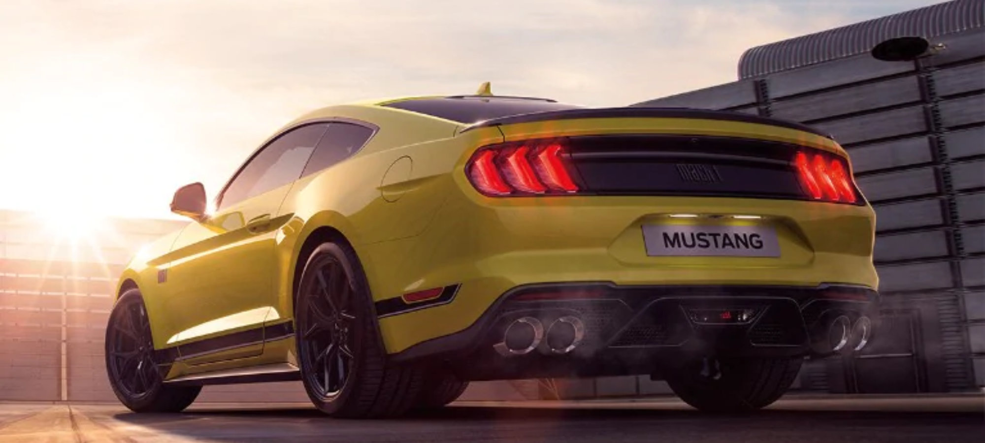 Mustang Mach 1 gul