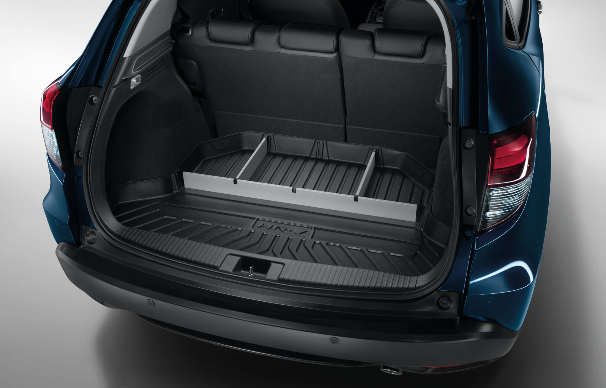 HR-V Boot Tray with Dividers