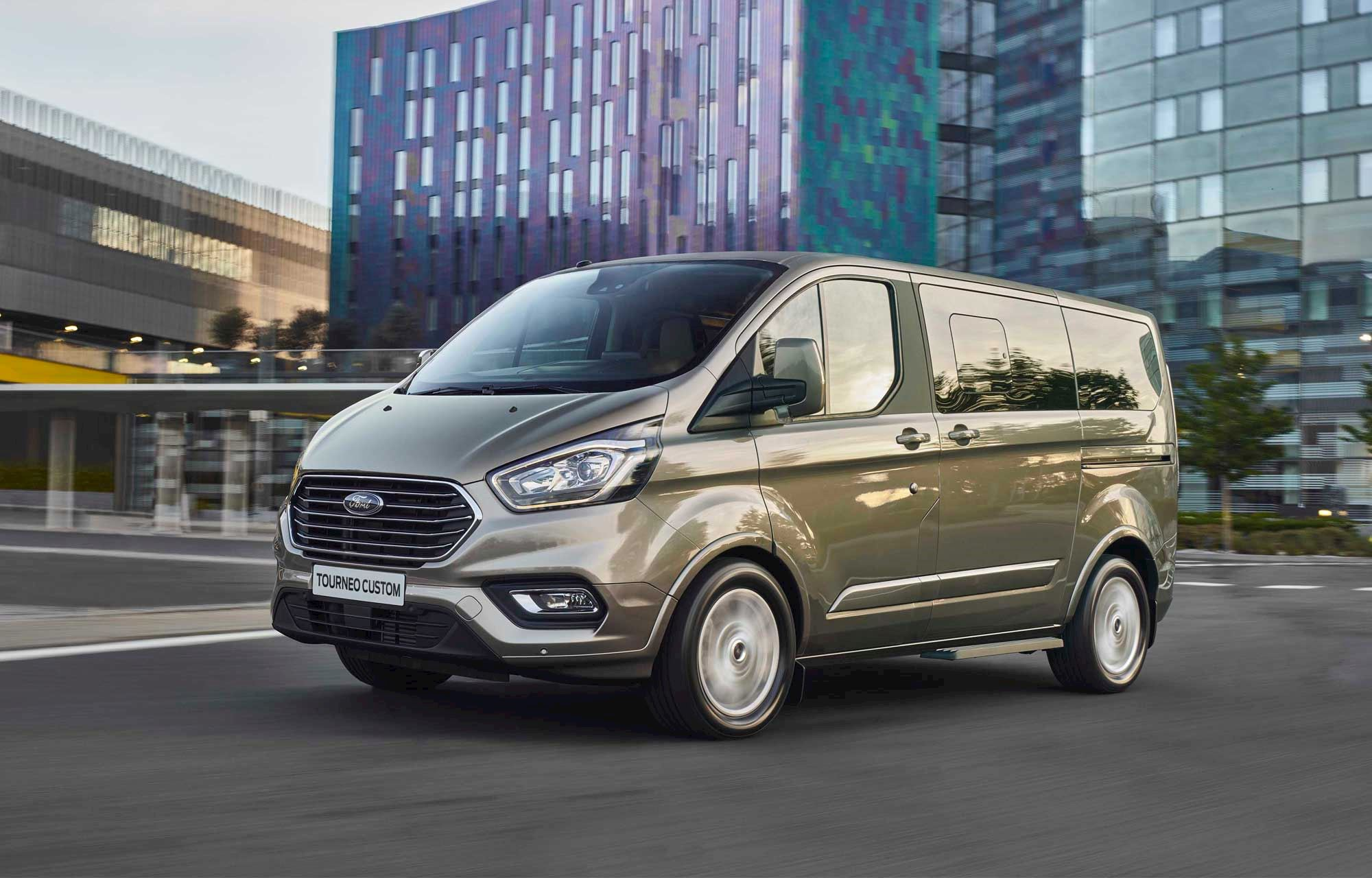 2019 Ford Tourneo Custom Exterior Gallery