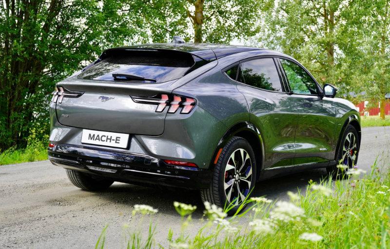 Mustang Mach-E tak