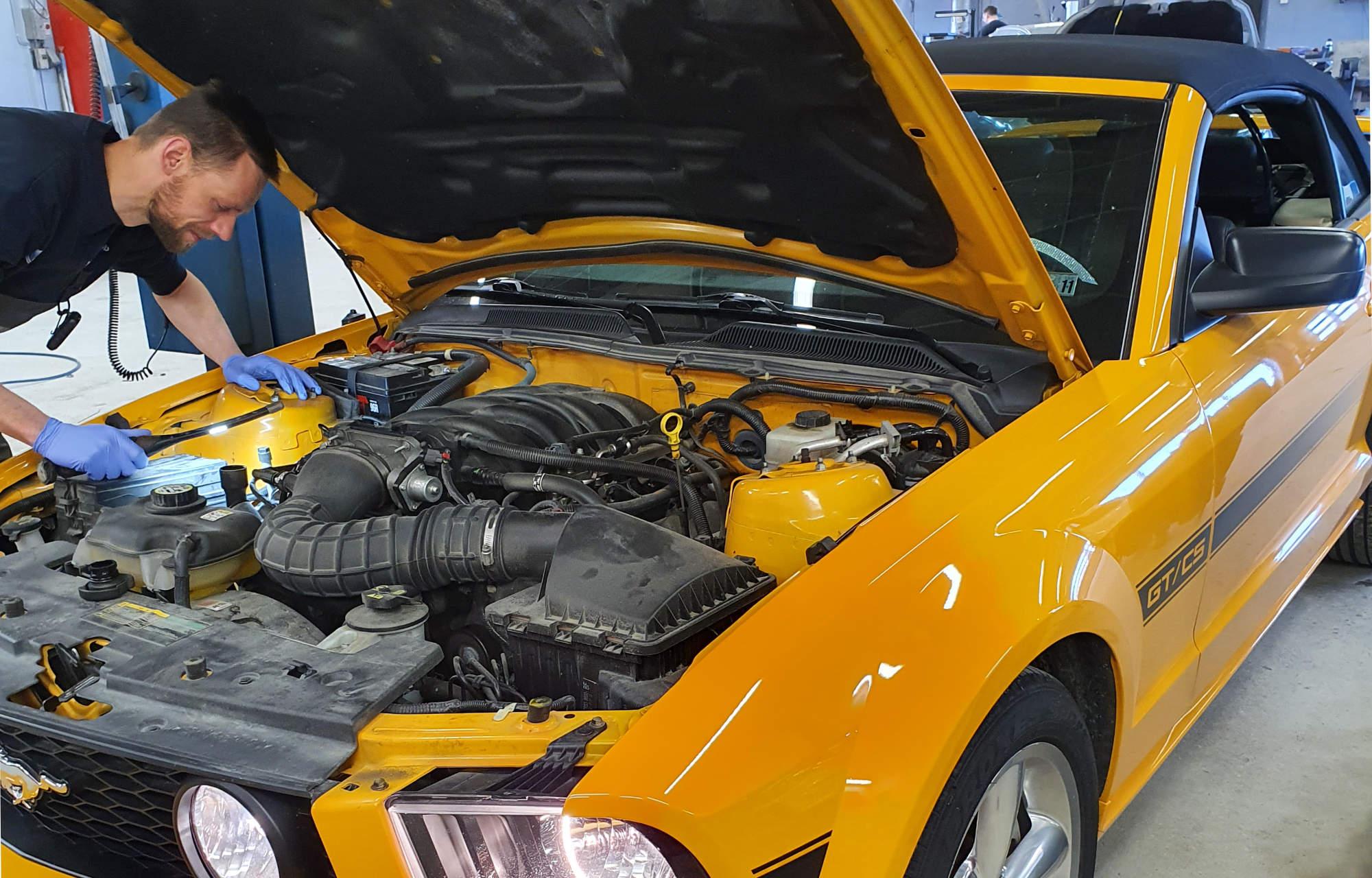 Ford Mustang på service hos Røros Auto