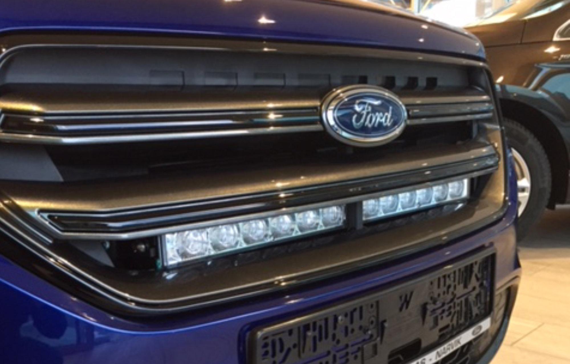 Ford Kuga lys
