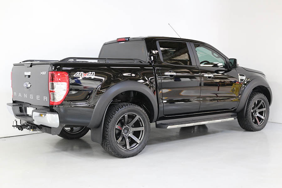 Ford Ranger Shadow Black 185
