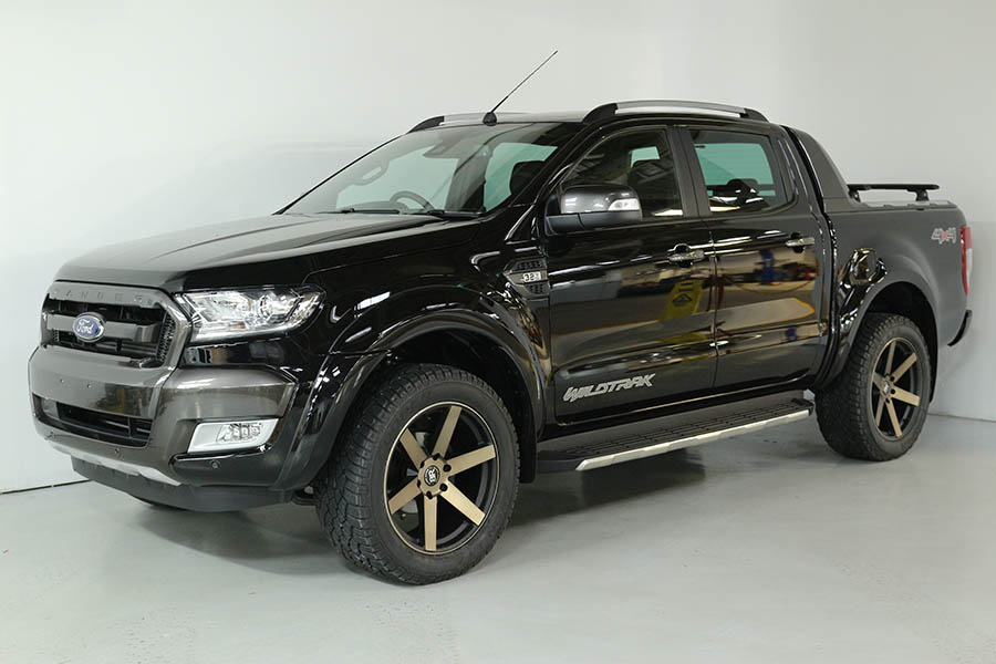 Team Hutchinson Ford Ranger Shadow Black 229