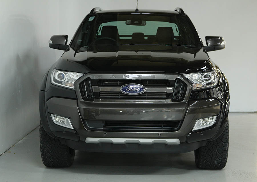 Team Hutchinson Ford Ranger Shadow Black 231