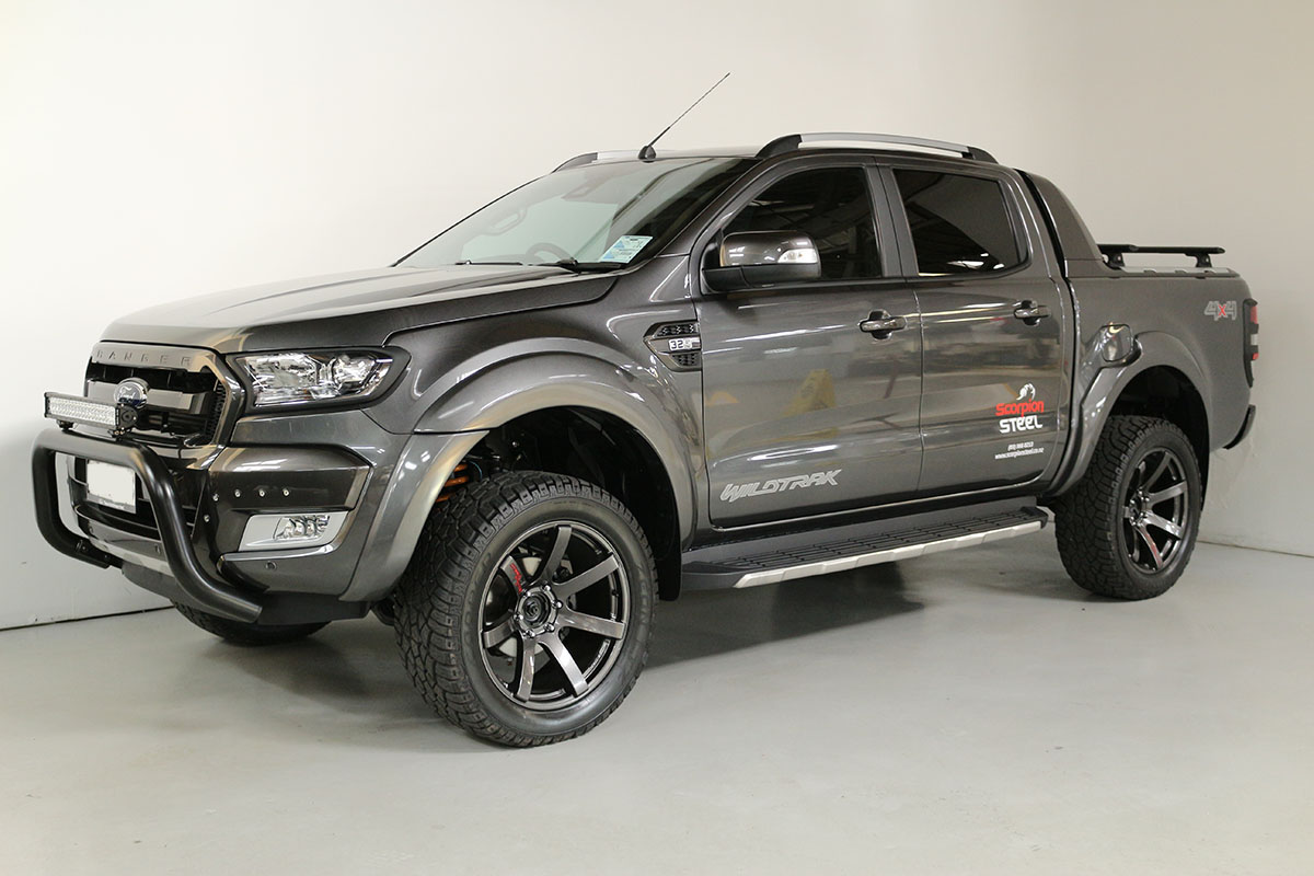 Team Hutchinson Ford Ranger Wildtrak Magnetic 269