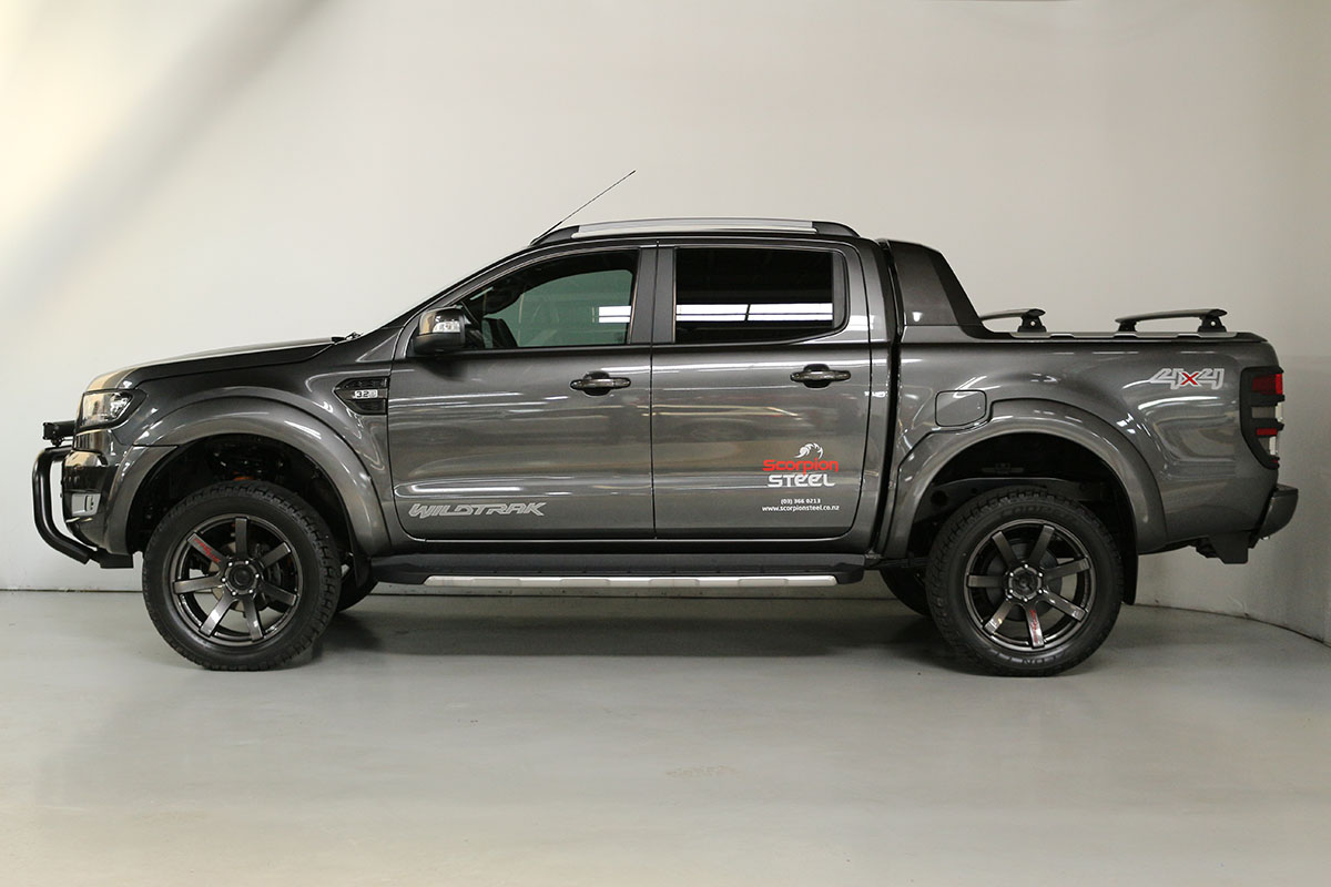 Team Hutchinson Ford Ranger Wildtrak Magnetic 271
