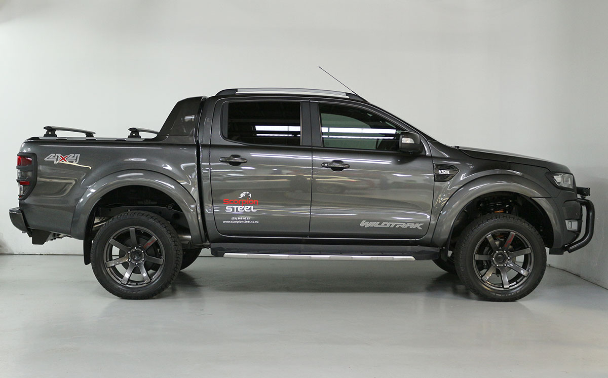 Team Hutchinson Ford Ranger Wildtrak Magnetic 274