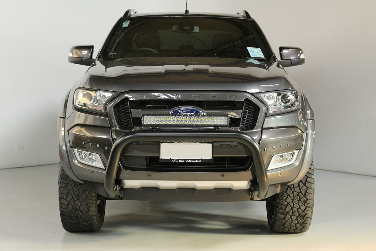 Team Hutchinson Ford Ranger Wildtrak Magnetic 275