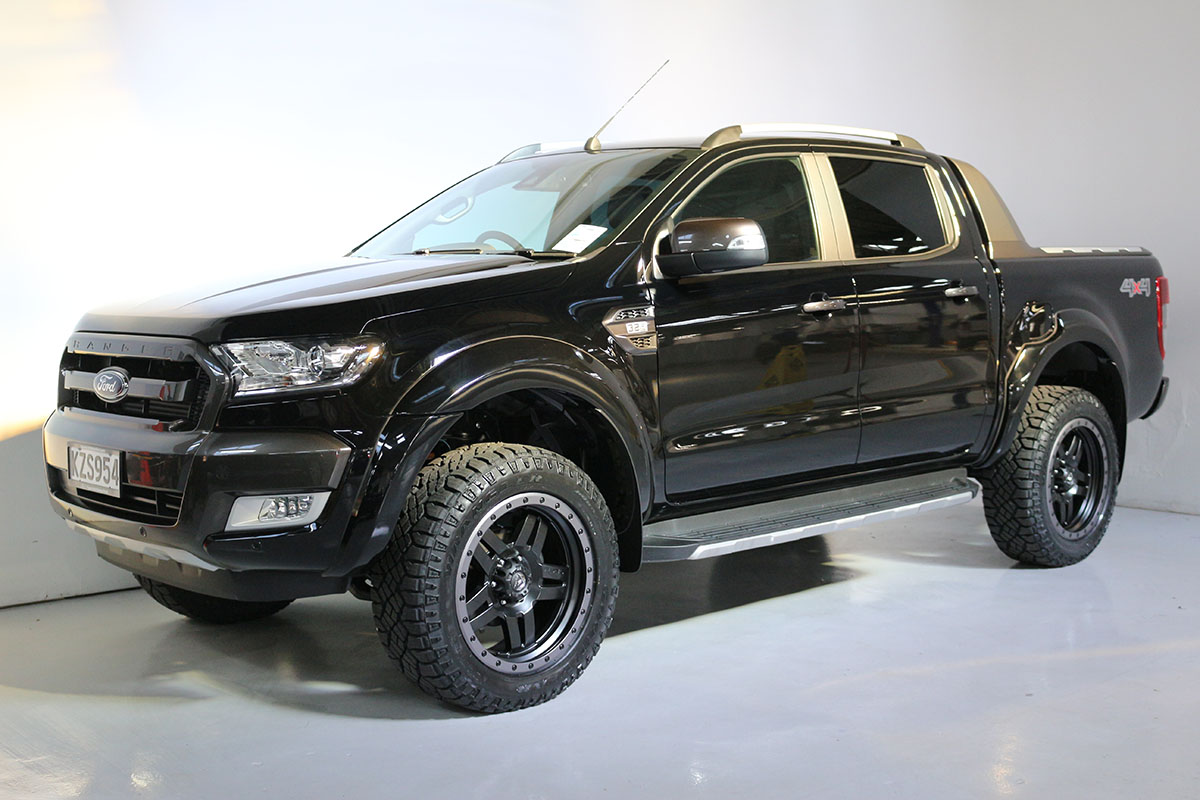 Team Hutchinson Ford Ranger Wildtrak Shadow Black 281