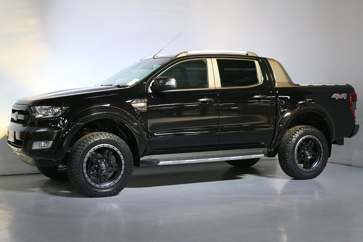 Team Hutchinson Ford Ranger Wildtrak Shadow Black 282