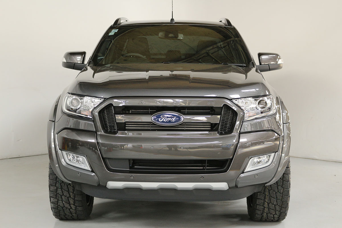 Team Hutchinson Ford Ranger Wildtrak Magnetic 286