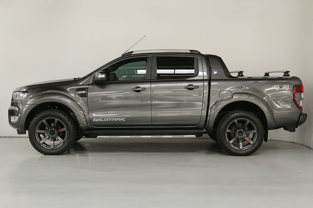 Team Hutchinson Ford Ranger Wildtrak Magnetic 288
