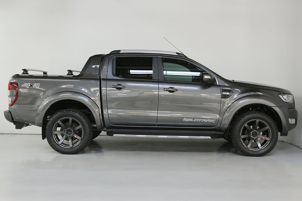 Team Hutchinson Ford Ranger Wildtrak Magnetic 291
