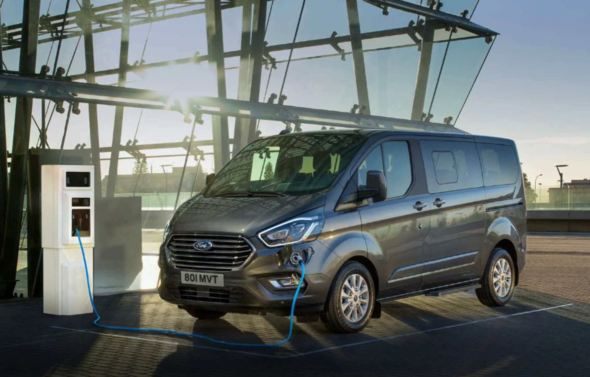 Nowy Ford Tourneo Custom Plug-in Hybrid