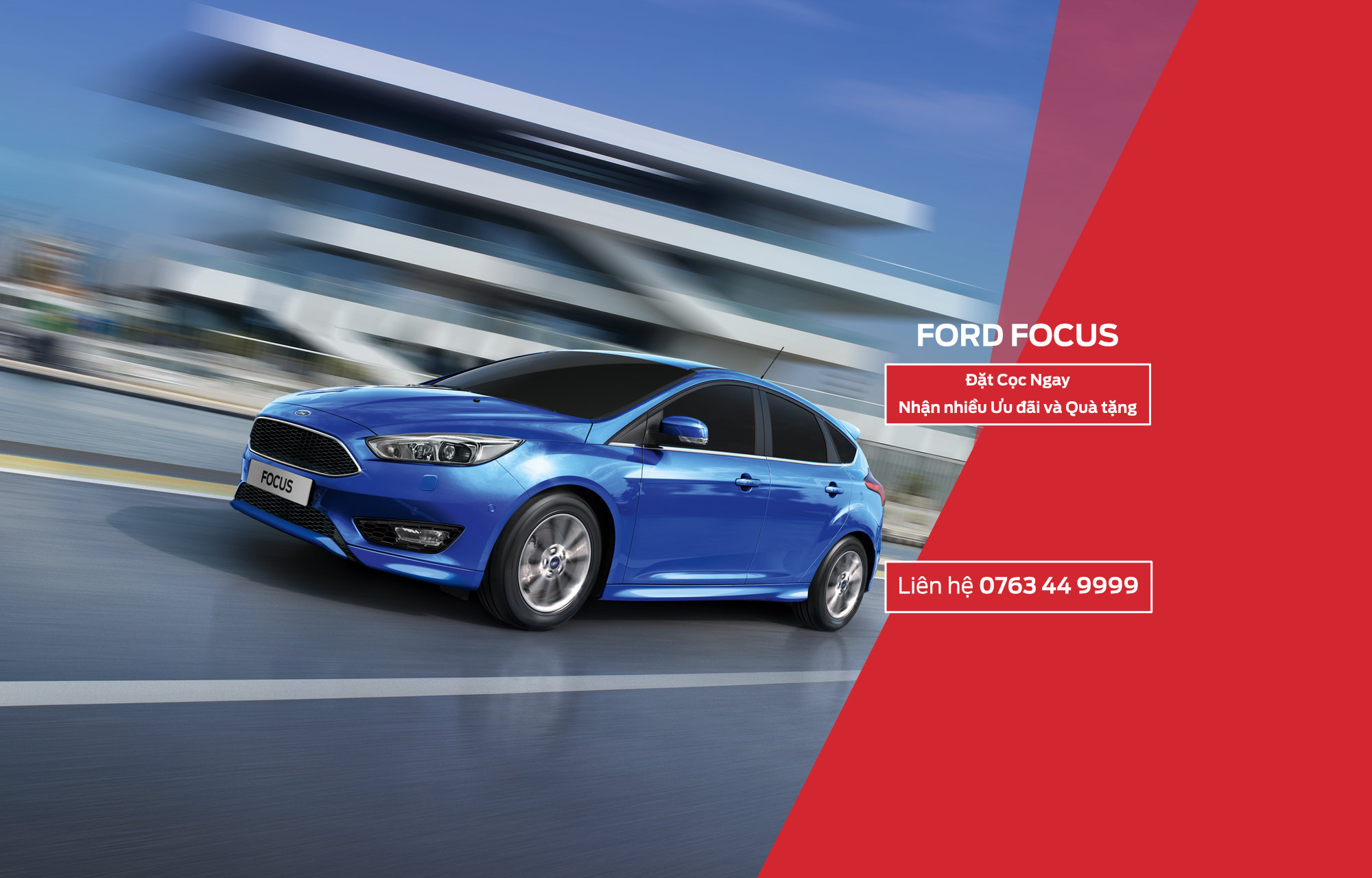 mua Ford Focus tai Ha Noi Ford